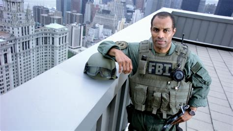 How to become an FBI officer - 5 Steps
