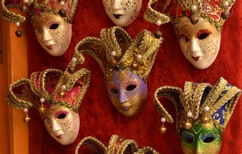 Venetian carnival masks: what are the most traditional