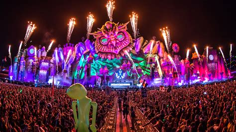 Electric Daisy Carnival grows beyond the Speedway: Travel