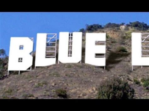 Photoshop: Replace the HOLLYWOOD billboard sign with your