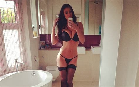 (Image) Sizzling Ex Arsenal & Liverpool WAG Alice Goodwin