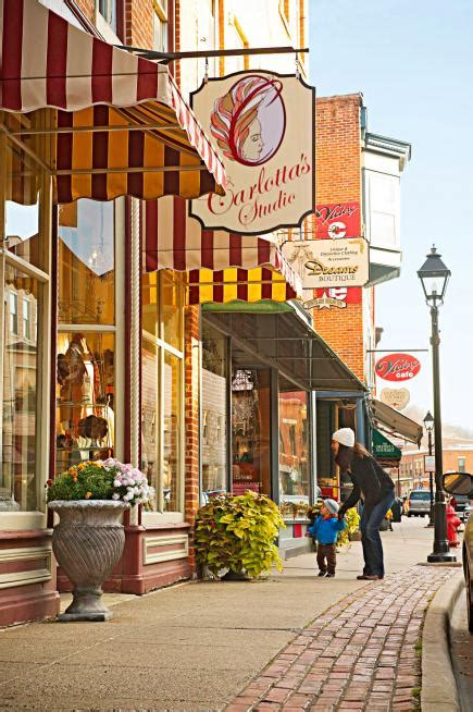 Fall in love again with Galena, Illinois | Midwest Living