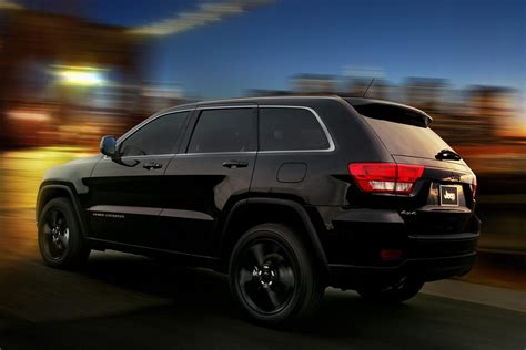 Jeep Unveils Nameless All-Black Jeep Grand Cherokee