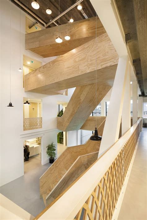 Stair of the Week: Turning circulation into a spectacular