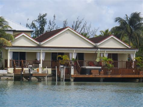 Spacious Waterfront Villa with Hydropool Spa Tub - Golf