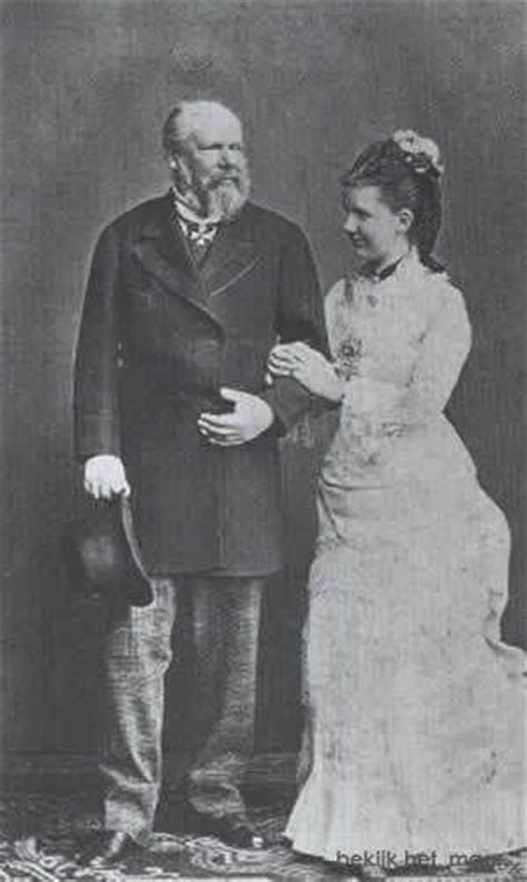 Picture above right: King Willem III and his second wife